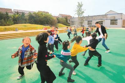 """幼儿教师和保育员缺口超300万人 如何填充这片""""洼地"""""""
