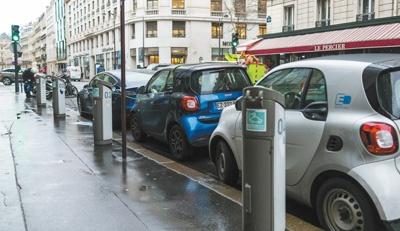 电动汽车销售逆势增长成行业亮点 相关扶持政策不断出台