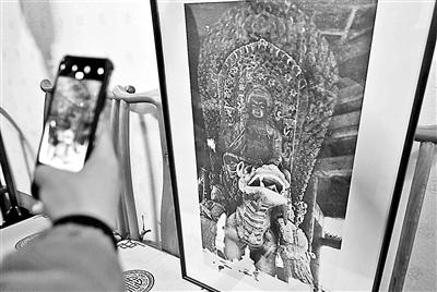 圓明園首次公布300余張珍貴老照片 文殊菩薩全身照首次亮相