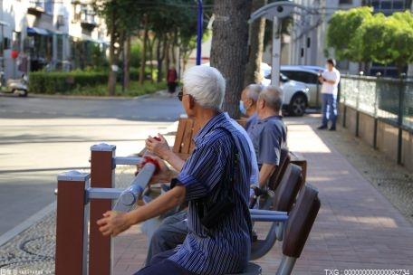 老年人渐成旅行群体重要成员,出省游比例大